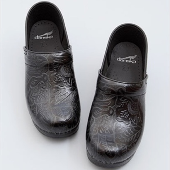 Professional Black Tooled Leather Clogs